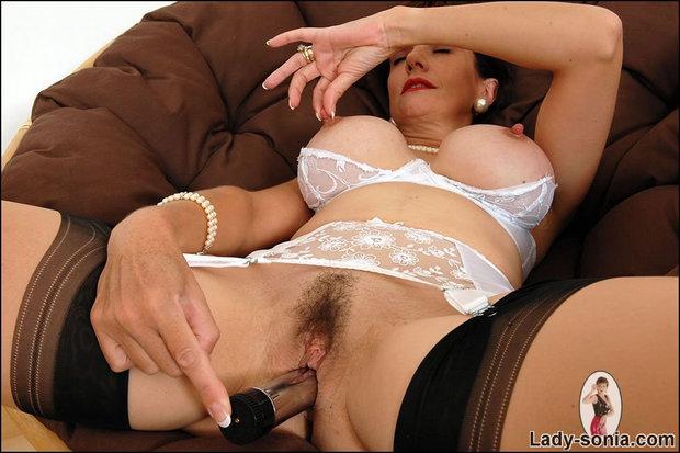 Full figured women latina naked
