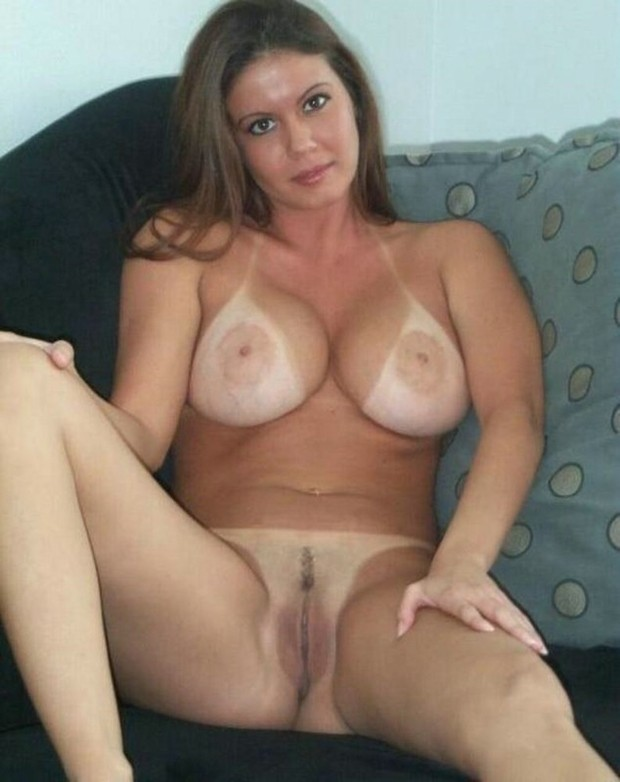 What hot sexy moms milfs nude pics you tell