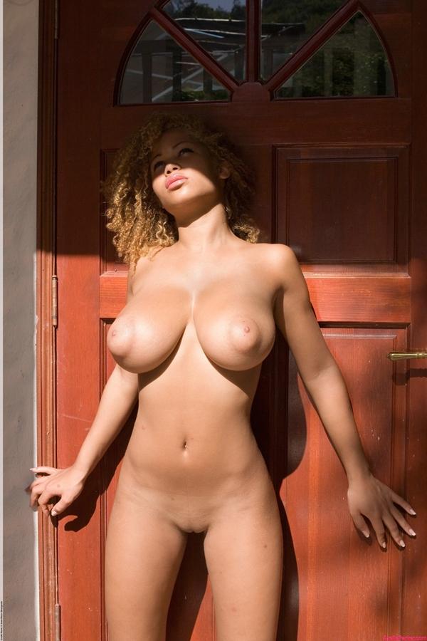 профессиональные порно фото девушек с большой грудью