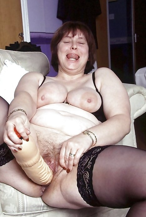 Squirting threesome free clips
