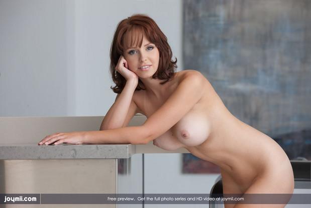 Фото голая милая девушка