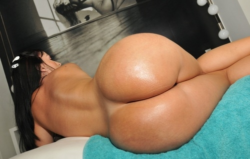 Like BIG Butts ?; Ass Hot