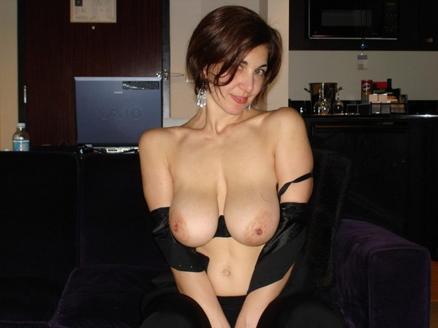 Amateur cougar tits