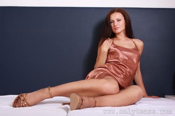 Andrea Drapelova; Brunette SFW